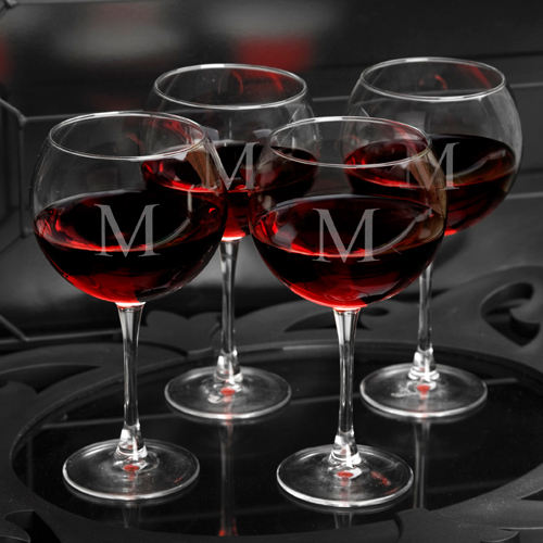 Set of 4 18oz Personalized Red Wine Glasses wedding favors