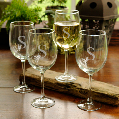 Set of 4 Personalized 19oz White Wine Glasses wedding favors