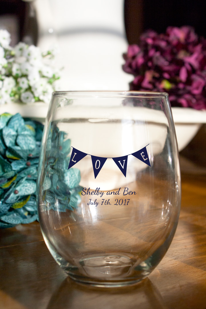Personalized Stemless Wine Glasses Favor