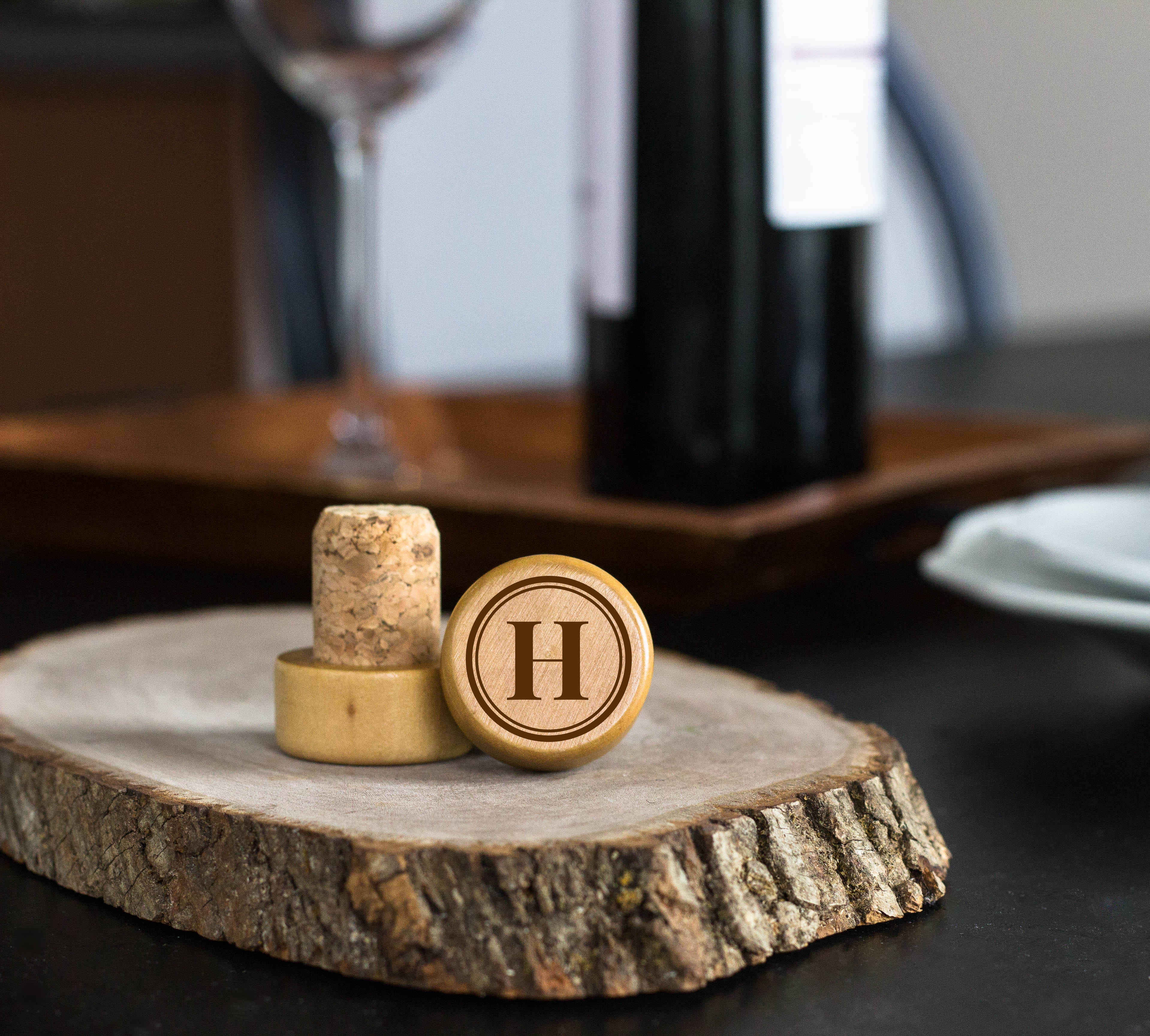 Round Frame Initial Personalized Engraved Wine Stopper cheap favors