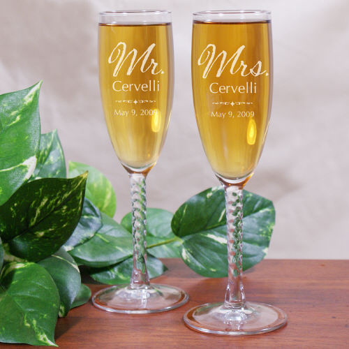 mr and mrs personalized wedding toasting flutes wedding favors
