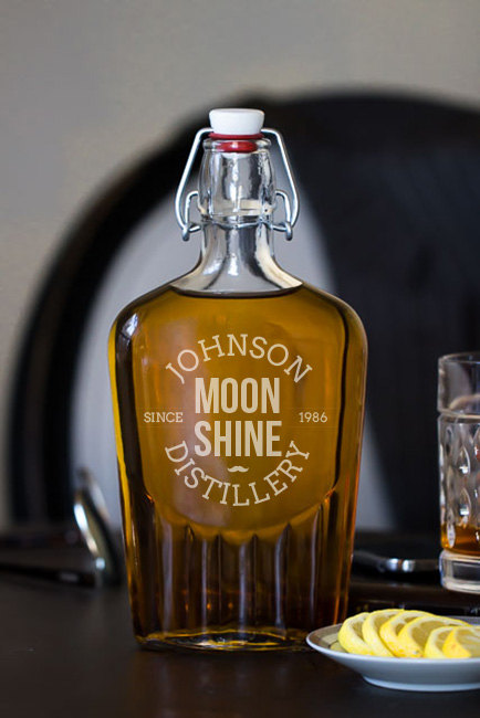 Moonshine Distillery 17 oz. Glass Flask wedding favors